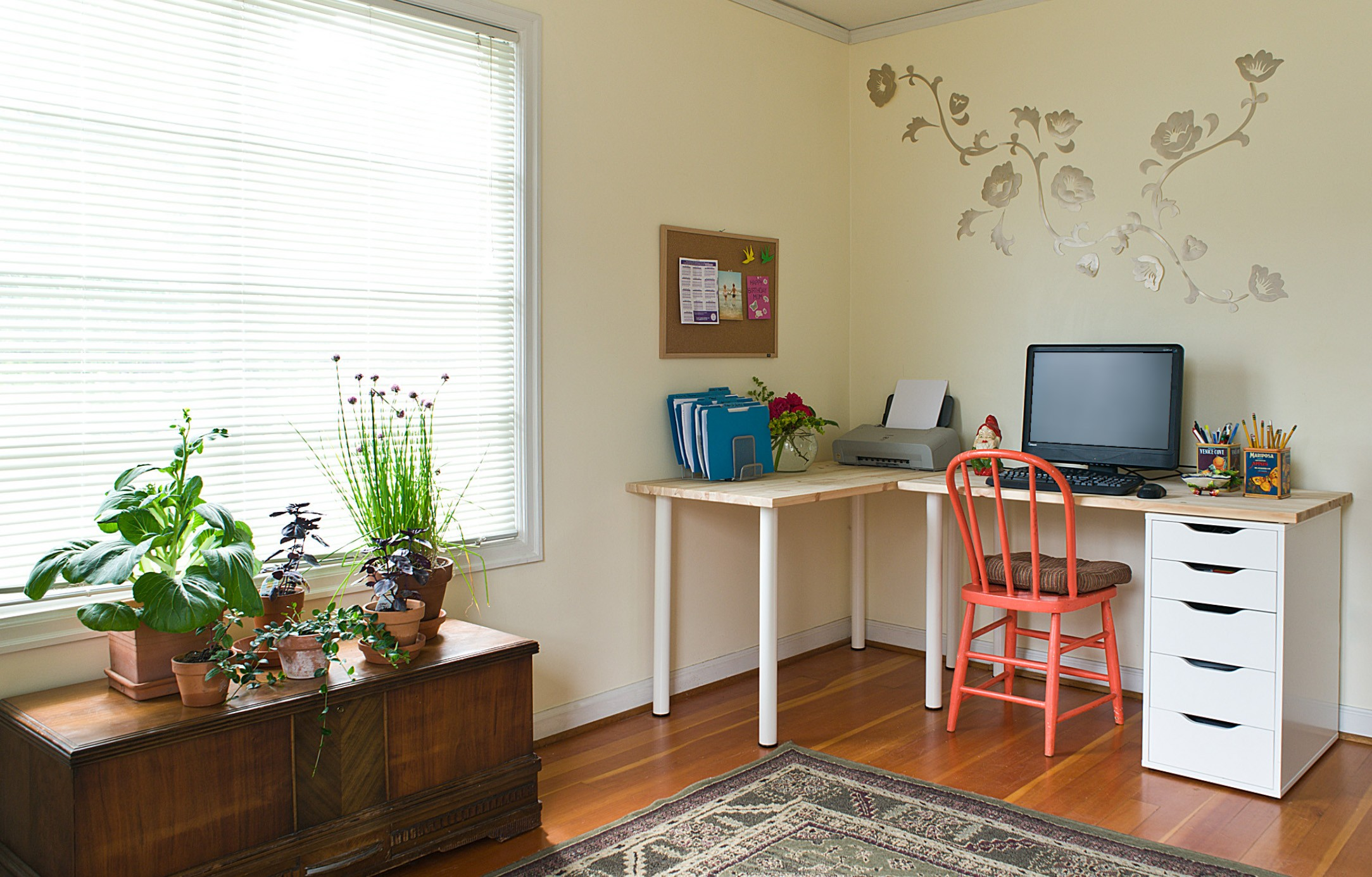 Quick organizing tips for your home office kids room and - How to organize an office desk ...