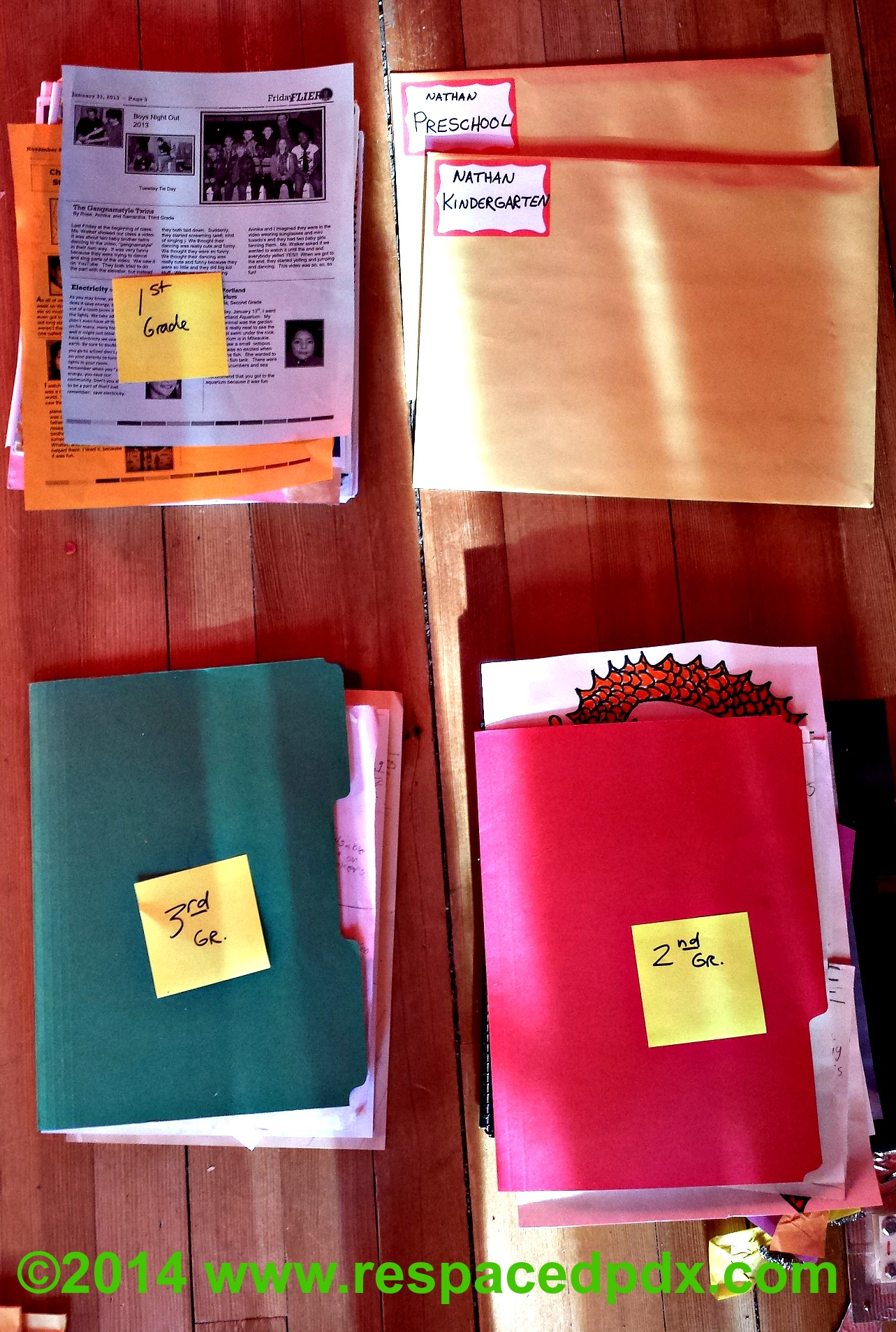 Schoolwork organizing before Super easy way to organize kids schoolwork